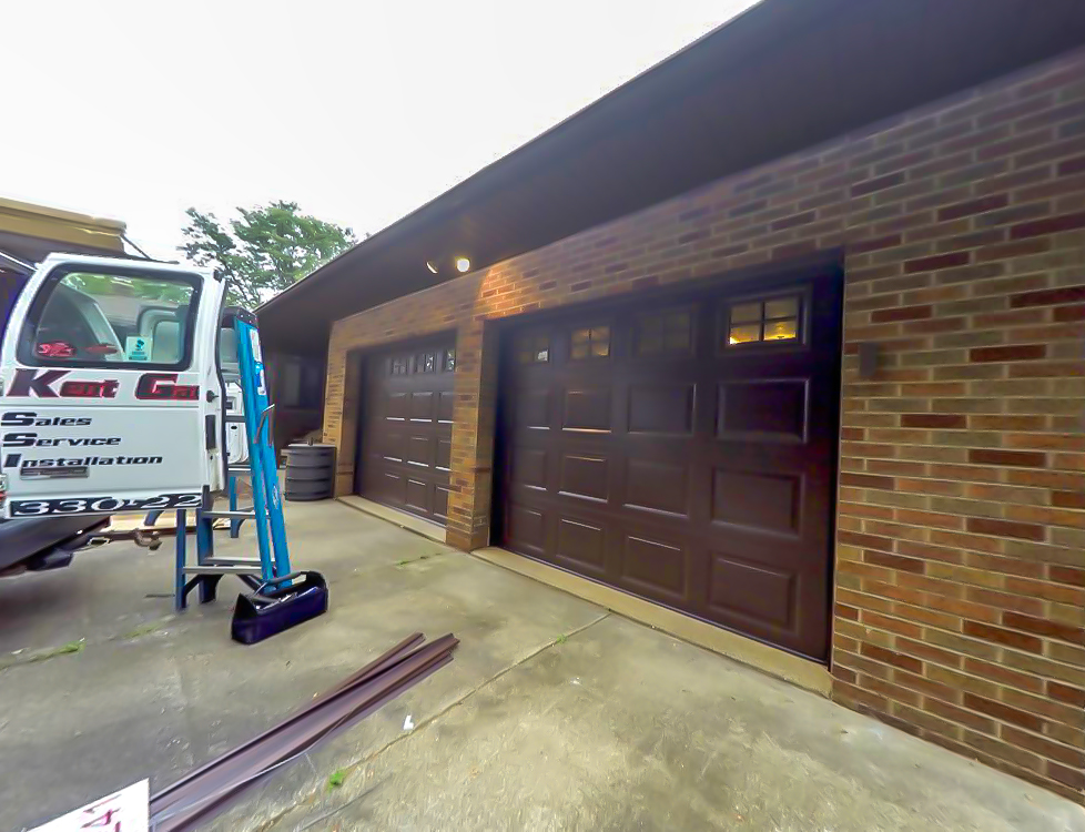 Garage door installation in Cuyahoga Falls